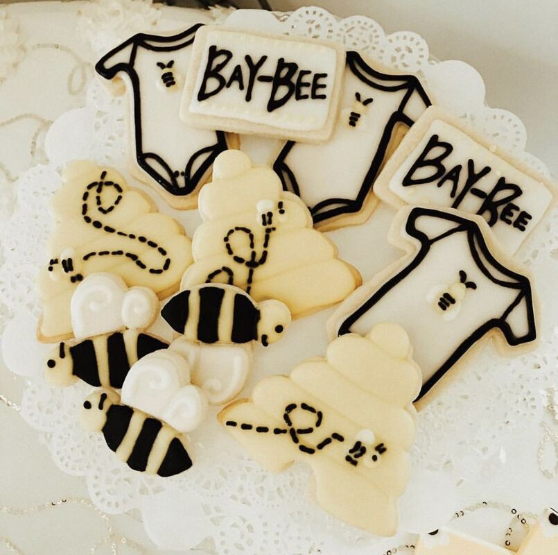 bay-bee themed baby shower desserts