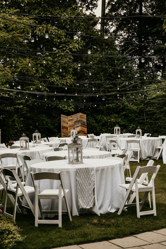 silver and white wedding table decor