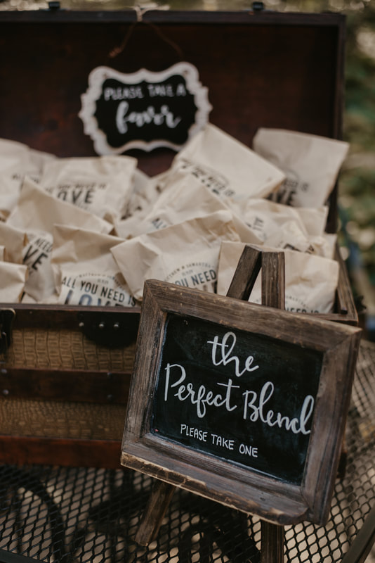 the perfect blend individual coffee favors for fall wedding