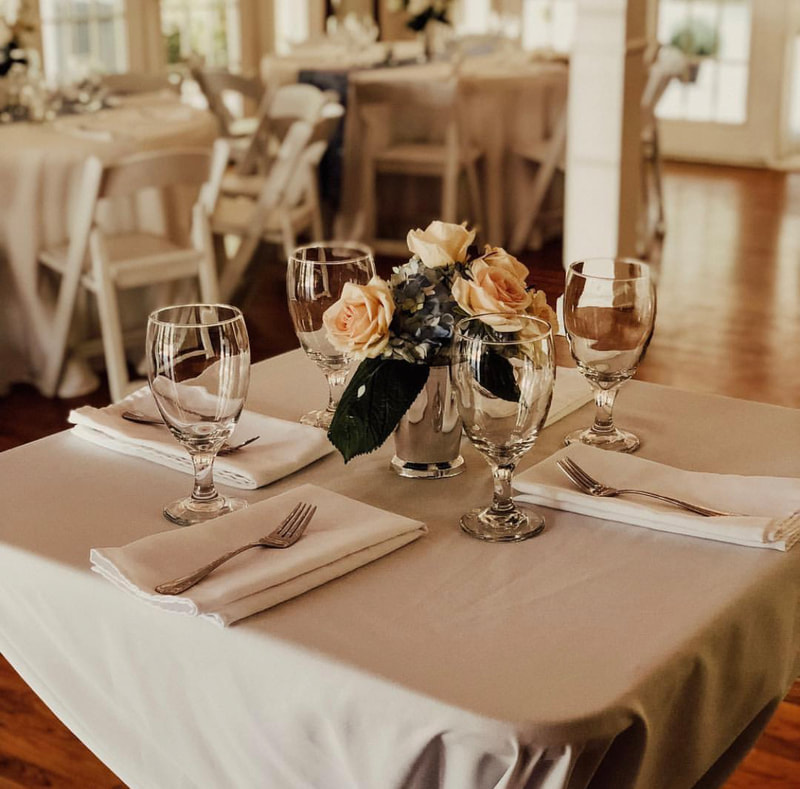 romantic, simple table decor for anniversary