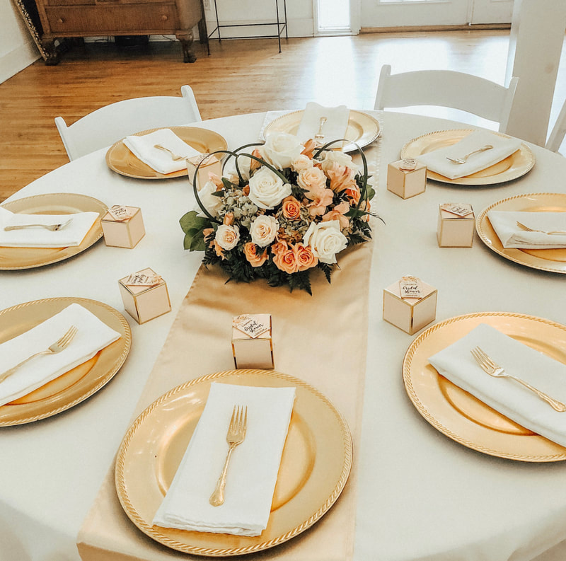 soft champagne and gold table decor